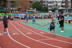 第40屆校慶暨體育表演會-大隊接力照片代表照片