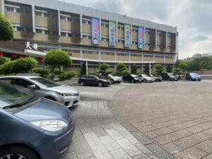 校內各種交通工具停放設施代表照片